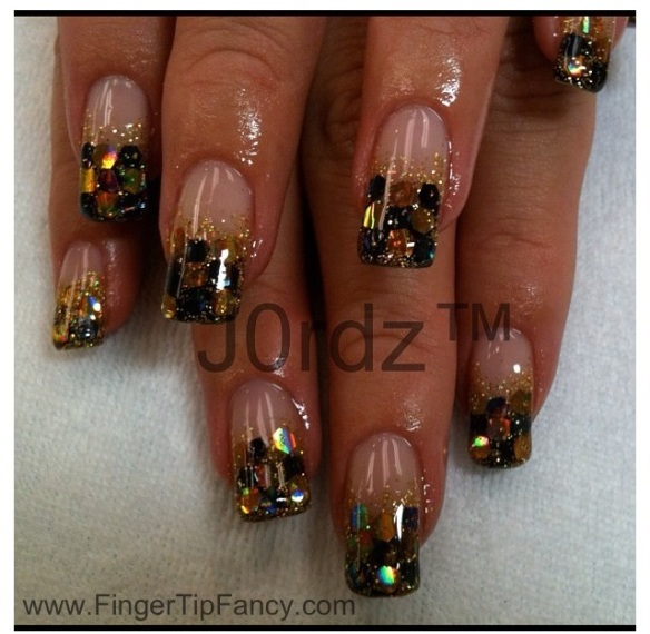 black-gold-holgram-nails